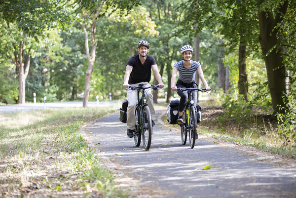 Zwei Radler auf dem Weg zur Bett und Bike Unterkunft