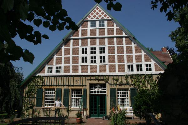 Töddenhaus Haus Nieland mit imposantem Fachwerkgiebel